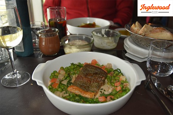 """""""58 Tour Eiffel"""" ร้านอาหารบนหอไอเฟลสุดโรแมนติก เที่ยวญี่ปุ่น ท่องเที่ยวต่างประเทศ ทริคการเดินทาง เที่ยวไต้หวัน ที่เที่ยวประเทศจีน ประเทศฝรั่งเศส ร้านอาหารฝรั่งเศส 58TourEiffel"""